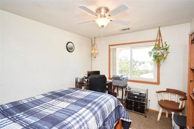 10970 Joshua St, Oak Hills, CA 92344 Photo 21