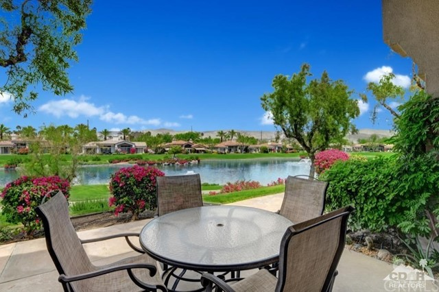 822 Red Arrow, Palm Desert, CA 92211