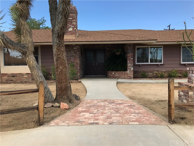8366 Grand Ave, Yucca Valley, CA 92284-4354