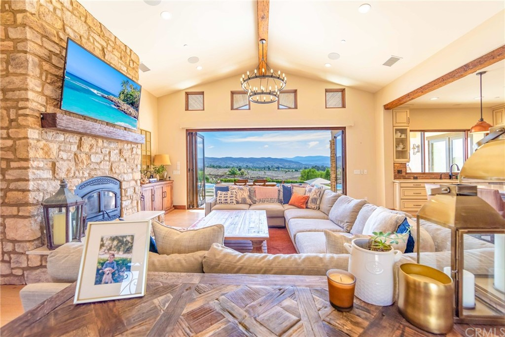 Photo of 36496 Indian Knoll Road, Temecula, CA 92592