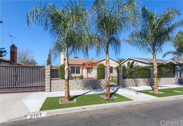 8107 Vantage Avenue, North Hollywood, CA 91605