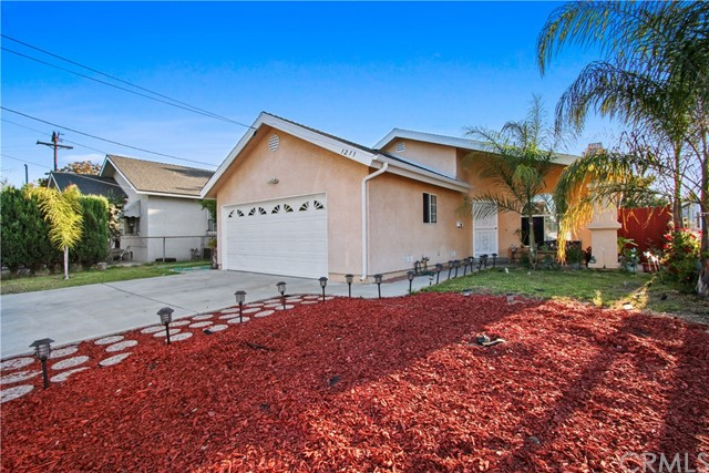 1211 N Fries Avenue, Wilmington, CA 90744