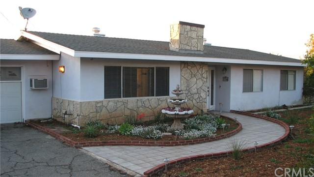 1744 E Alvarado Street, Fallbrook, CA 92028