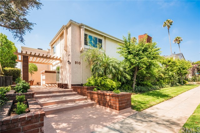 This tastefully renovated townhome is located on one of the most sought-after, tree-lined streets North of Wilshire and one block from the shops and restaurants of Montana Ave. Flooded with natural light and featuring a flowing plan of graciously scaled rooms and complementary outdoor space, this 2 bedroom plus bonus room, 2.5 bath corner unit is ideally suited for modern life in Santa Monica. The inviting interiors are replete with exceptional materials, custom details and quality craftsmanship.  A private, enclosed patio, gated subterranean parking with direct access to the home, bamboo floors, high ceilings, fireplace in the living, indoor laundry and stainless steel appliances complete the offering.  This home is in a well maintained 12 unit gated complex and situated within the Santa Monica School District.