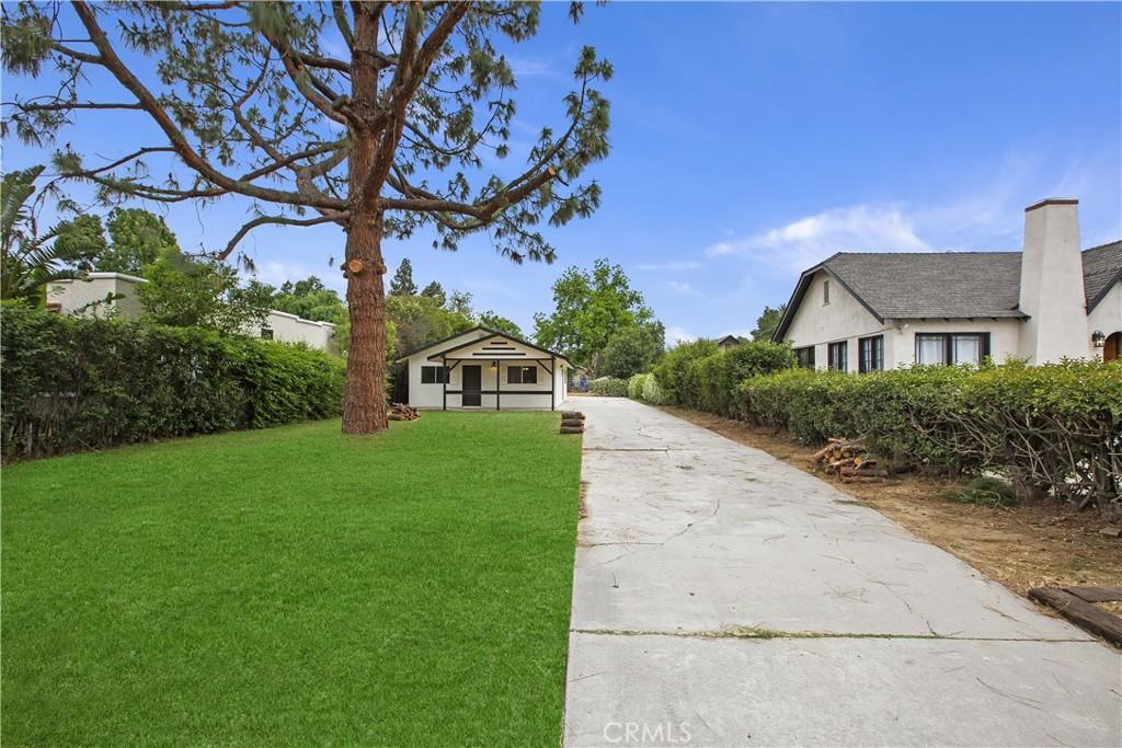 4443     Bandini Avenue, Riverside CA 92506