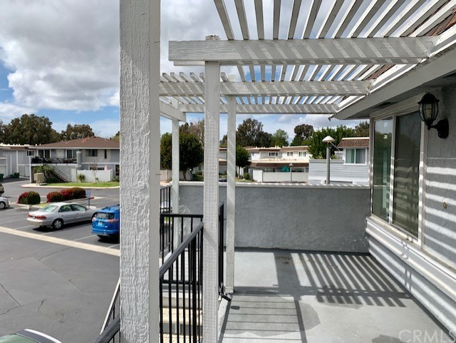 Image 3 of 23047 Via Pimiento #B4, Mission Viejo, CA 92691