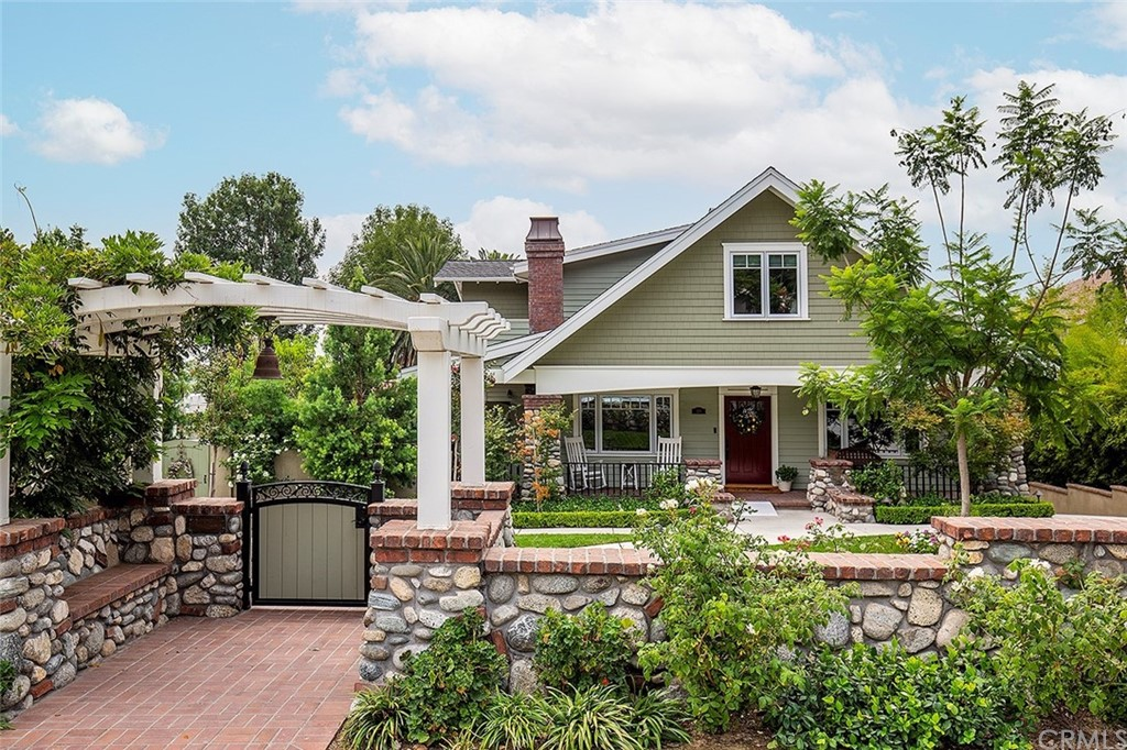 Photo of 126 E Laurel Avenue, Sierra Madre, CA 91024