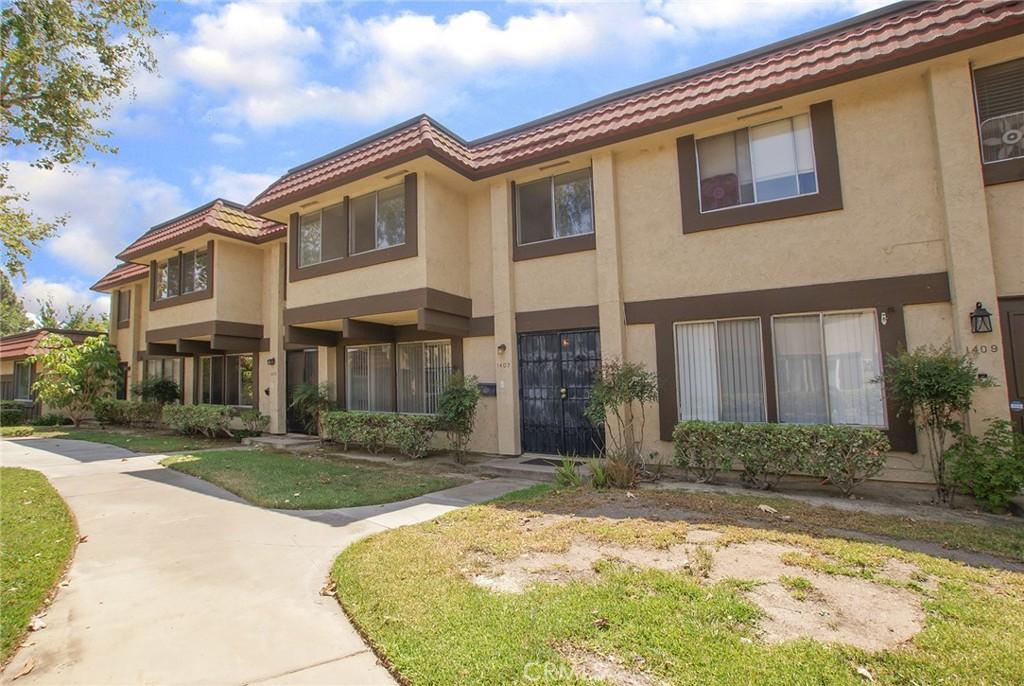 1407   N Deerhaven Lane, Anaheim CA 92801