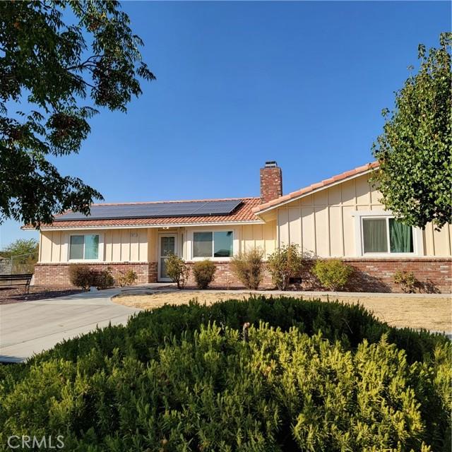 16111 Chippewa Rd, Apple Valley, CA 92307