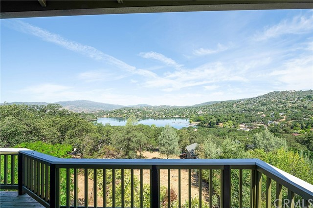 17427 Meadow View Drive, Hidden Valley Lake, CA 95467