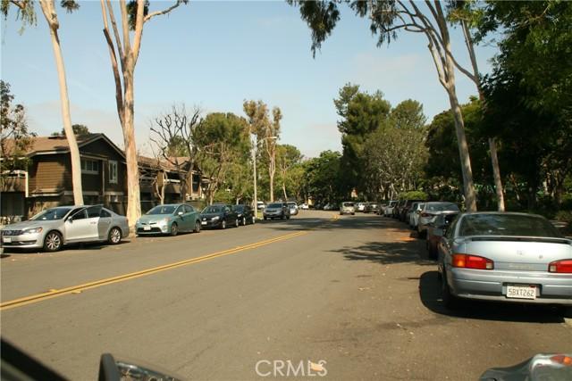21. 27 Streamwood #27 Irvine, CA 92620