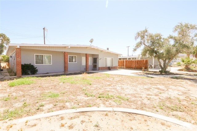 211 Coachella Avenue, Thermal, CA 92275