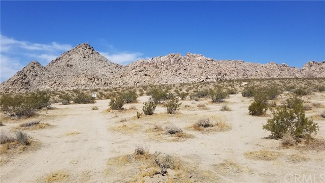 104 Verde Rd, Lucerne Valley, CA 92356 Photo 2