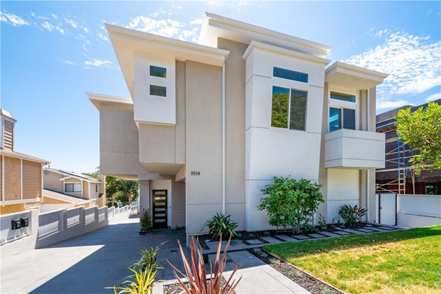 1914 Marshallfield Lane A, Redondo Beach, California 90278, 4 Bedrooms Bedrooms, ,3 BathroomsBathrooms,For Sale,Marshallfield,SB20122923