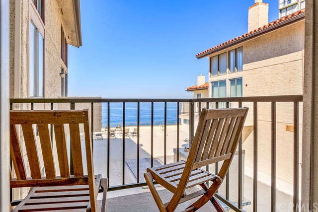 555 Esplanade 418, Redondo Beach, California 90277, 2 Bedrooms Bedrooms, ,2 BathroomsBathrooms,For Rent,Esplanade,SB20246477