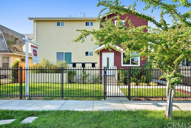 1327 W. 37th Place, Los Angeles, CA 90007