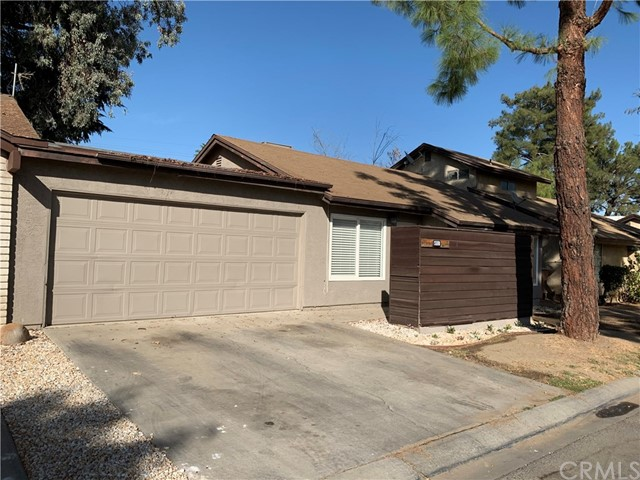 4512 Country Wood Lane, Bakersfield, CA 93313