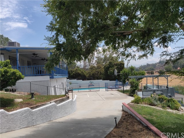 Side Driveway to lower level backyard