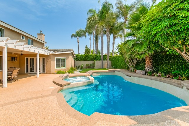 17722 Falkirk Lane, Huntington Beach, CA 92649