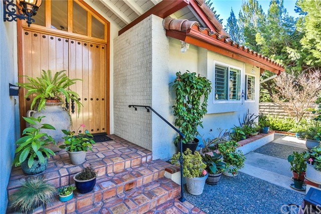 One of Ranch Orange Homes for Sale at 2104 E Valley Glen Lane