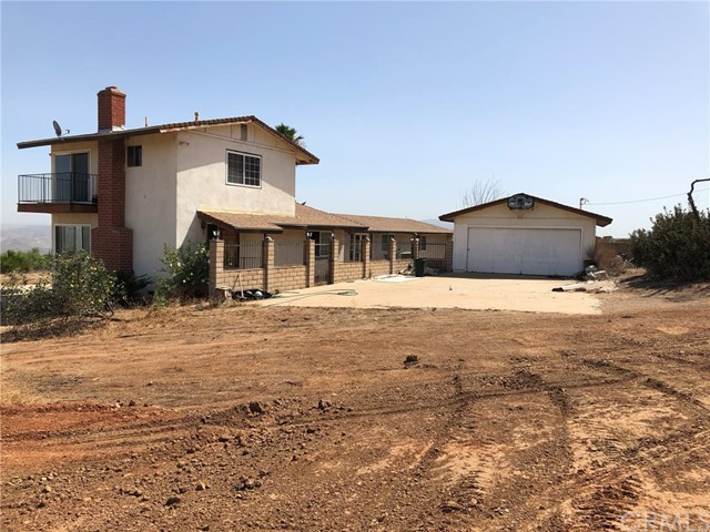 Photo of 1421 Hidden Springs Drive, Corona, CA 92881