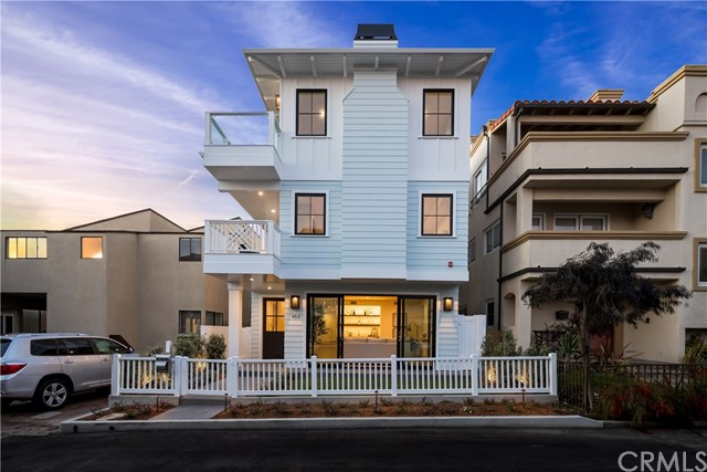 453 31st Street, Manhattan Beach, California 90266, 5 Bedrooms Bedrooms, ,2 BathroomsBathrooms,For Sale,31st,SB20027637