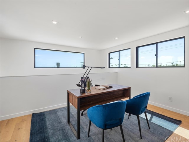 1847 11th Street, Manhattan Beach, California 90266, 3 Bedrooms Bedrooms, ,2 BathroomsBathrooms,For Sale,11th,SB20169078