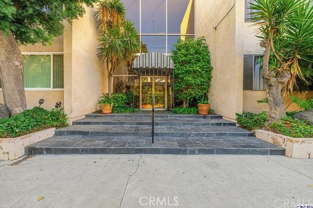 5411 Tyrone Avenue 104, Sherman Oaks, CA 91401