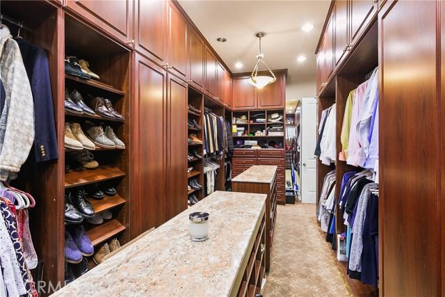22. 521 S Grand Avenue West Covina, CA 91791
