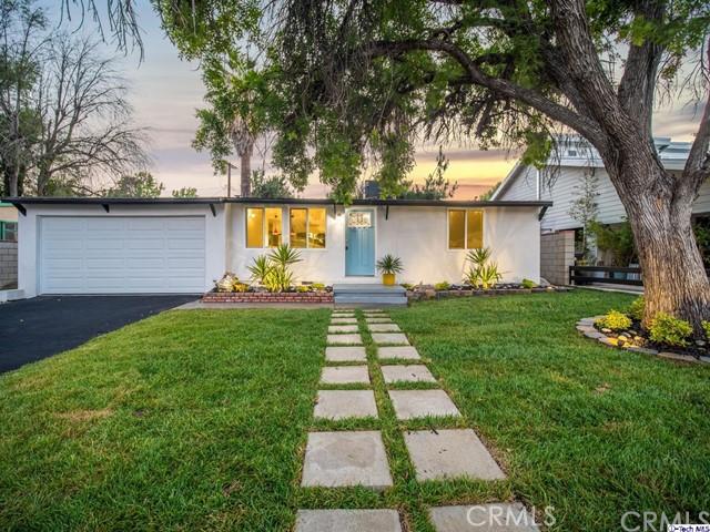 8431 Mammoth Avenue, Panorama City, CA 91402