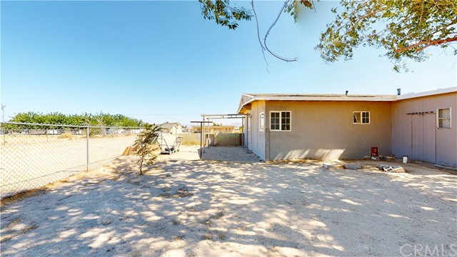 37555 Houston St, Lucerne Valley, CA 92356 Photo 32