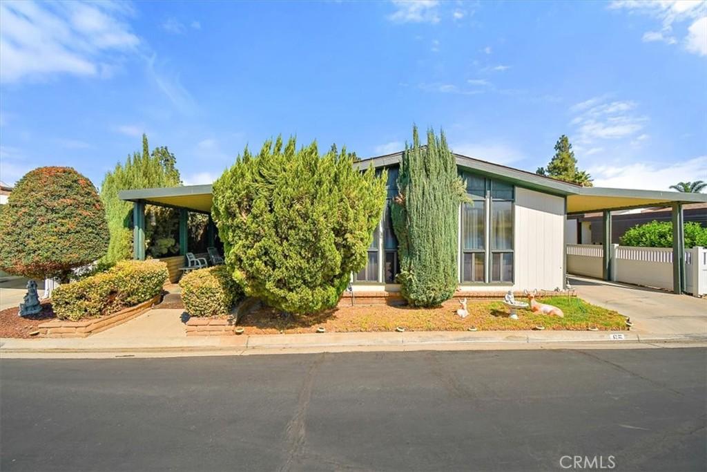 13381     Magnolia Avenue   65, Corona CA 92879