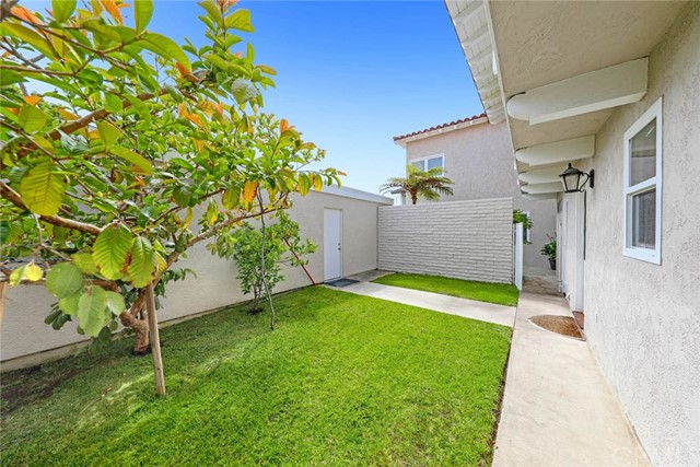 2. 2412 windward Lane Newport Beach, CA 92660
