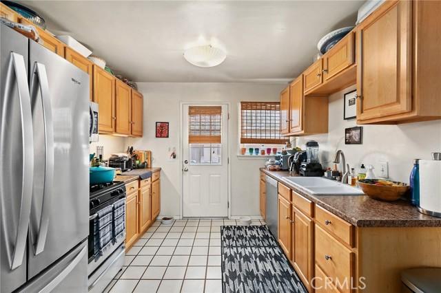 Downstairs unit kitchen