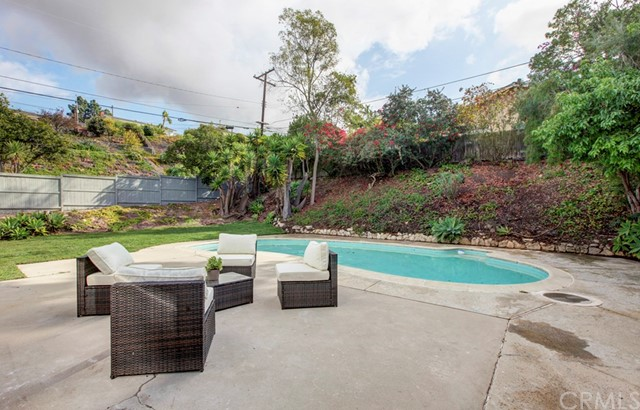 6902 Purple Ridge Drive, Rancho Palos Verdes, California 90275, 3 Bedrooms Bedrooms, ,2 BathroomsBathrooms,Single family residence,For Sale,Purple Ridge,IV20004658