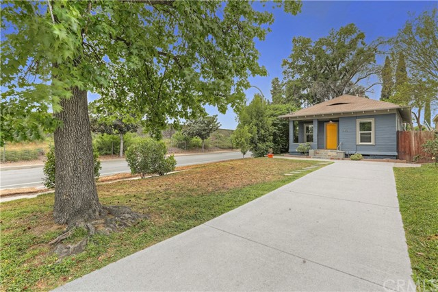 395 N Holliston Av, Pasadena, CA 91106 Photo 1