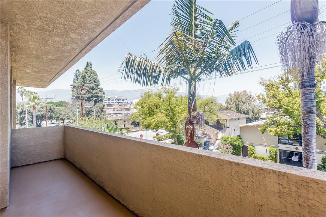 221 S Oak Knoll Av, Pasadena, CA 91101 Photo 26