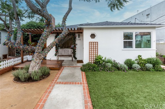 1526 Bonnie Brae Street, Hermosa Beach, CA 90254