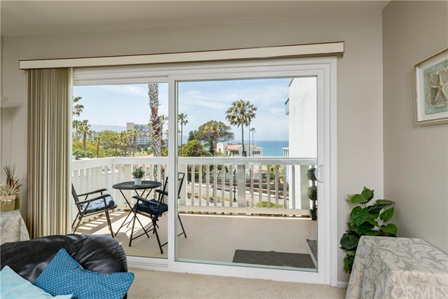 660 The Village 309, Redondo Beach, California 90277, 1 Bedroom Bedrooms, ,1 BathroomBathrooms,For Sale,The Village,SB16095939