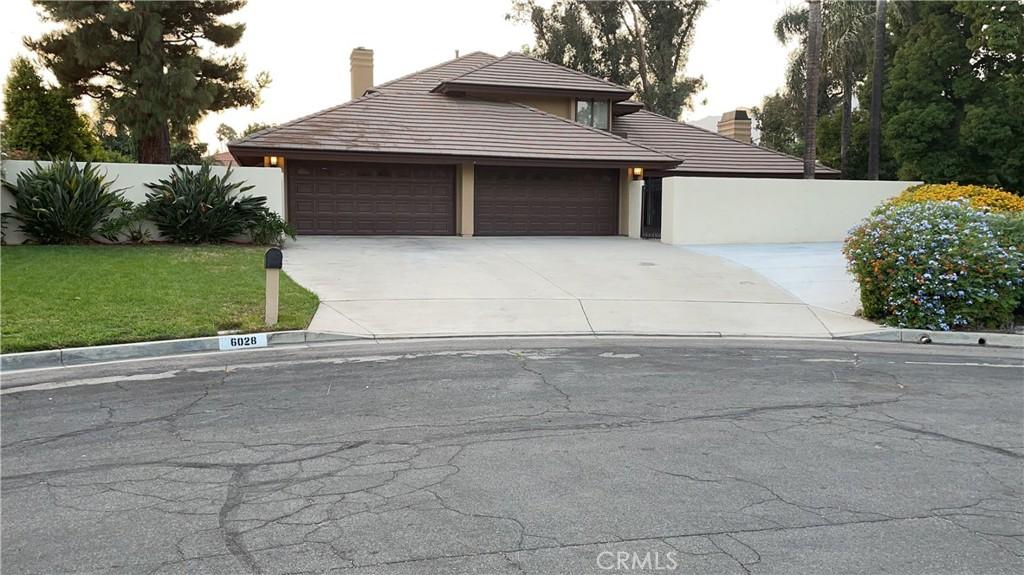 6028     Vineyard Avenue, Alta Loma CA 91701