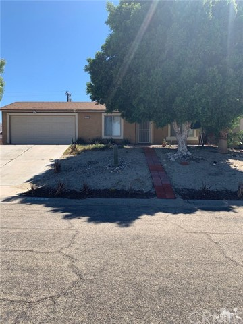 15570 Avenida Atezada, Desert Hot Springs, CA 92241