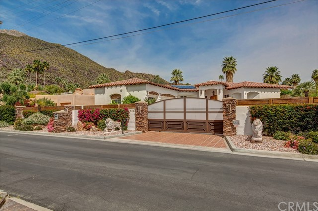 232 W Overlook Road, Palm Springs, CA 92264