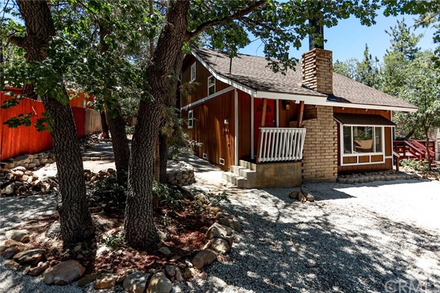 734 Pine Lane, Big Bear, CA 92386