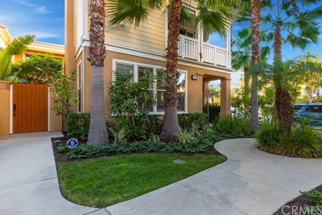 8238 Noelle Drive, Huntington Beach, CA 92646