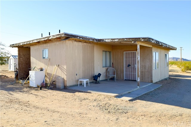 877 E Phillips Rd, Landers, CA 92285 Photo