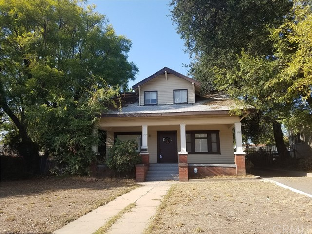 1715 N Lake Avenue, Pasadena, CA 91104