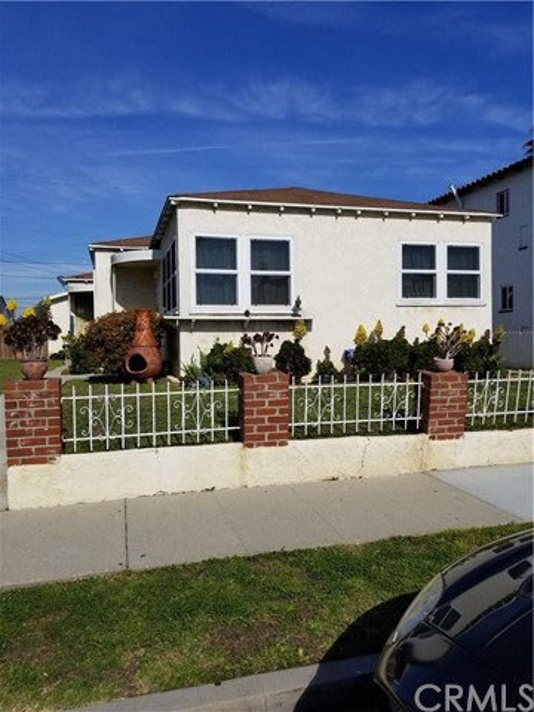 8464 Byrd Avenue, Inglewood, CA 90305