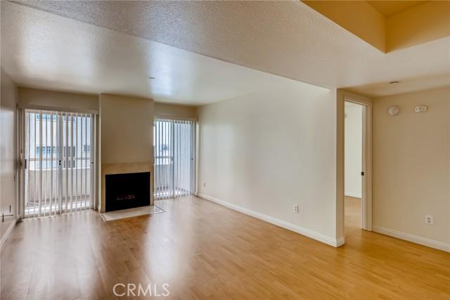 10960 Ashton Ave #206, Los Angeles, CA 90024