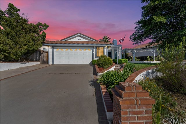 Photo of 39520 Shadow View Court, Temecula, CA 92591
