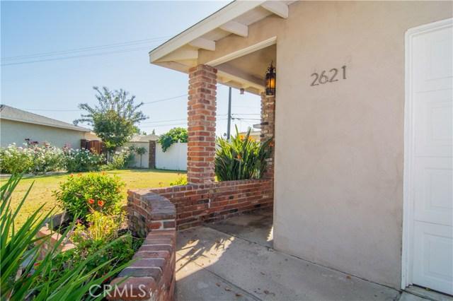 2621 Vuelta Grande Avenue, Long Beach, CA 90815